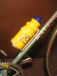 Les essentiels du cyclotourisme : bouteilles d'eau