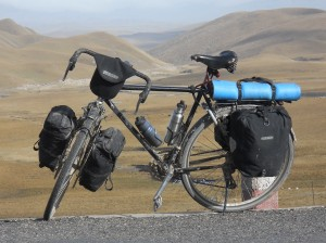 Loaded_touring_bicycle