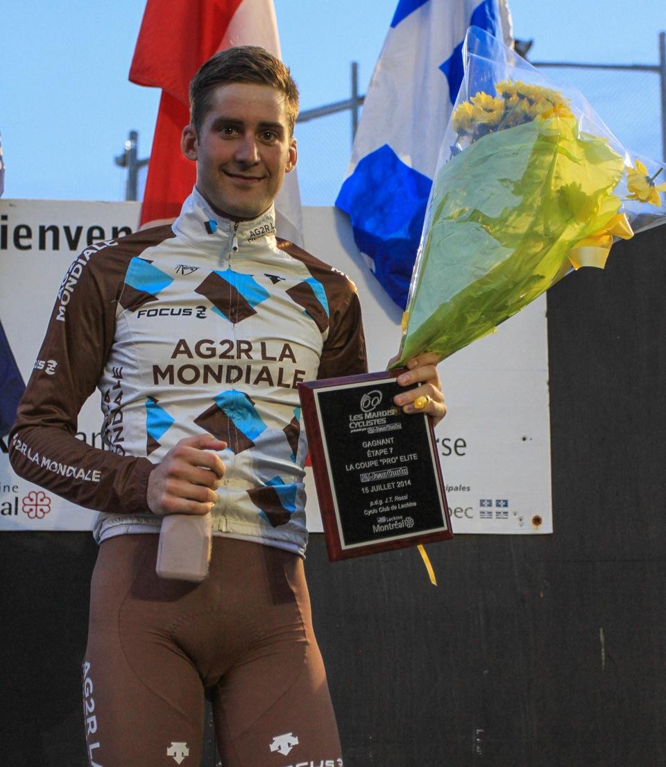 Hugo Houle sur le podium des mardis cyclistes de Lachine