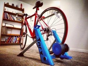 support d'entrainement pour vélo (cycle trainer)