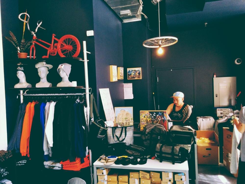 SFC Casual Cyclist Clothing : des vêtements de vélo urbains aux designs californiens